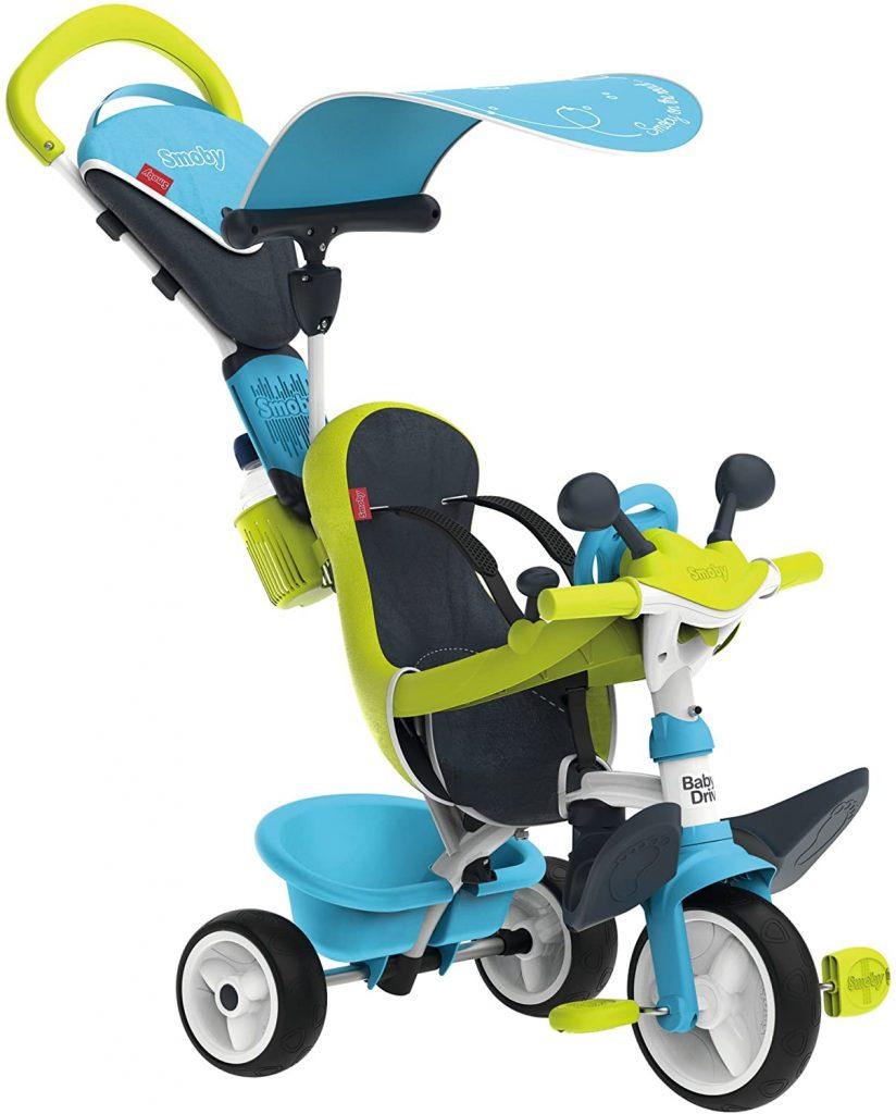 Le tricycle Baby Driver Confort 2 ressemble a un petit véhicule à piloter avec son volant intégré.