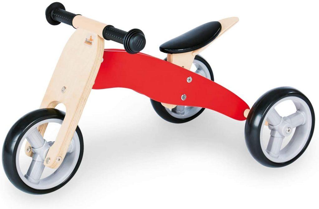 Ce vélo sans pédale PINOLINO est en bois avec des roues en plastique.