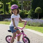 Cette draisienne pour fille Chicco est de couleur rose.