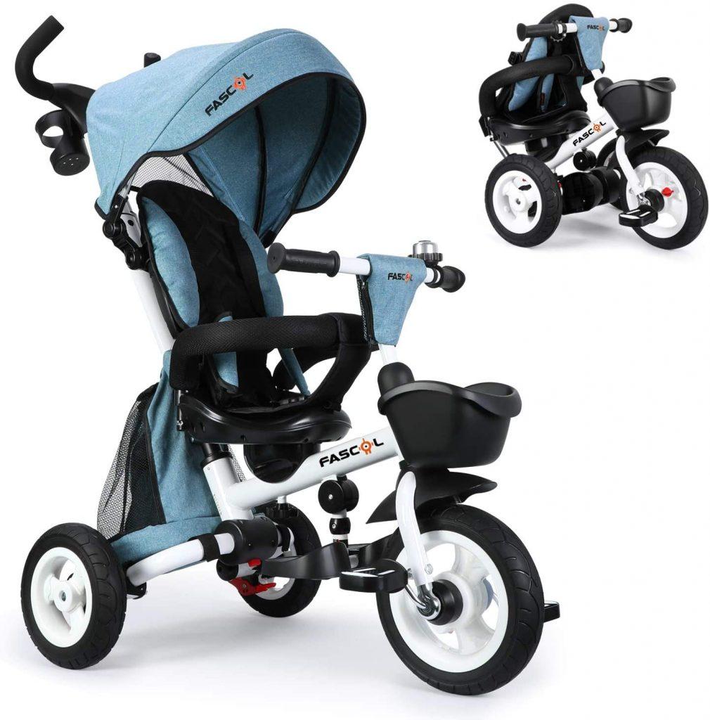 Ce tricycle évolutif pliable Fascol possède un siège pivotant à 360 degrés.