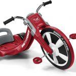 La moto tricycle Radio Flyer a un design de moto chopper.