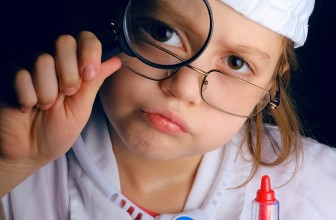 5 jeux d'imitation pour enfant tendances